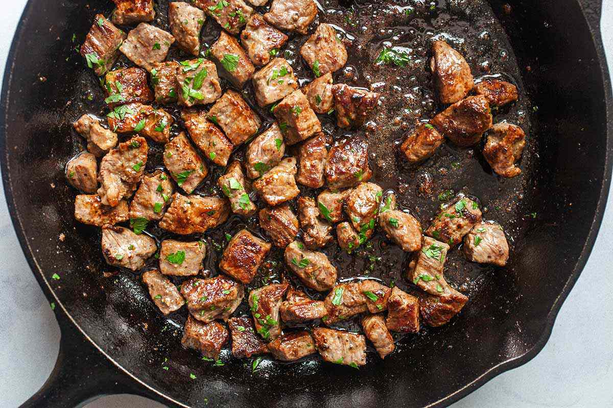 Beef Cube Recipe with Garlic sprinkle with parsley