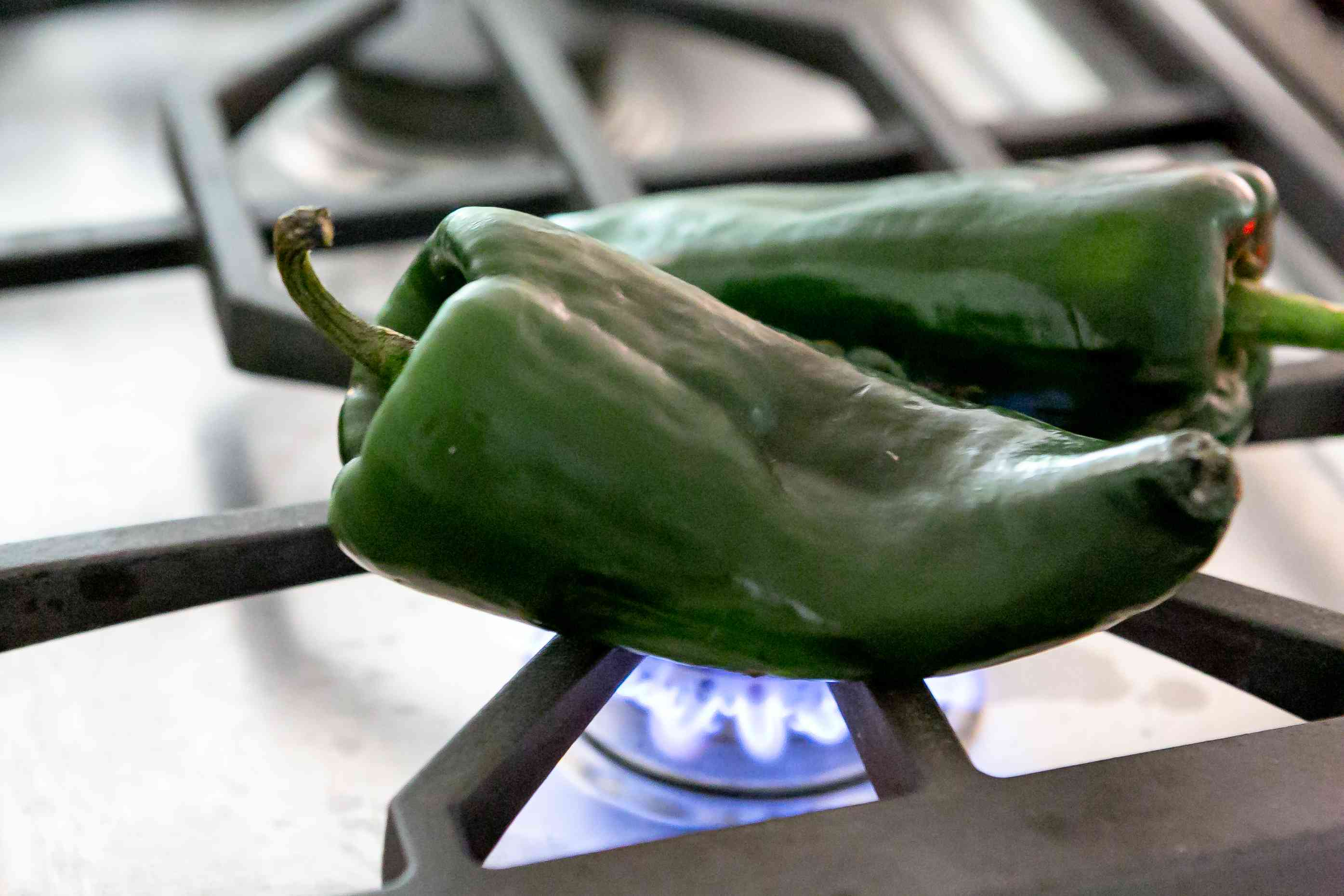 roasting-chiles-for-corn-chowder-1
